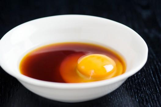 秘伝のタレと卵 さぶろうべい